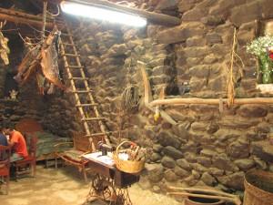 inca village-inca house-ollantaytambo