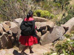 tequile-peruvian woman-island lake titicaca